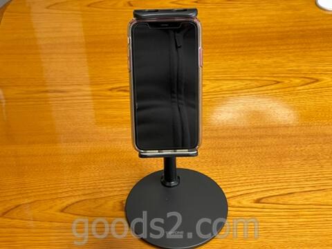 TRYONEタブレット・スマホスタンドでiPhone11を縦にして使う