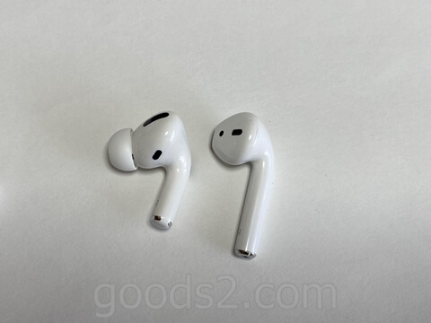 AirPods ProとAirPods を並べてみたところ