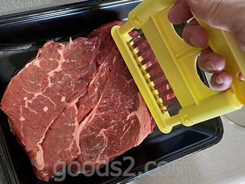 ステーキの筋切り