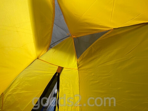 lovingskyのテントの上部(中から見たところ)
