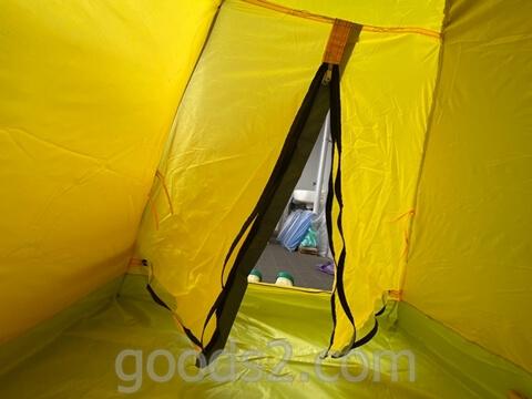 lovingskyのテントの中から出入口を映したところ