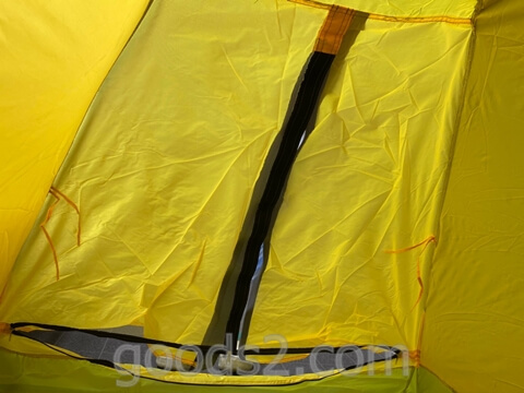 lovingskyのテントの出入り口(中から見たところ)