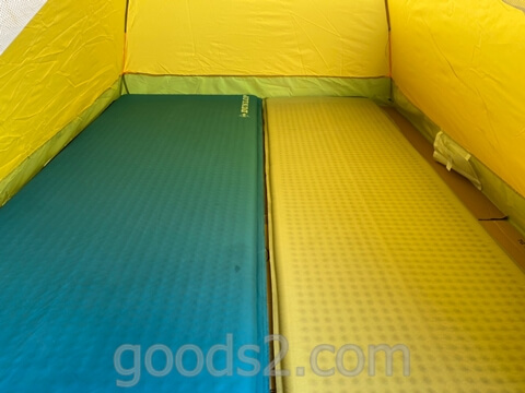 lovingskyのテントにテントマットを敷いても余裕がある