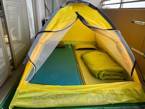lovingskyのテントにシュラフと枕を入れる