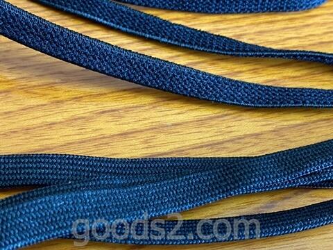 伸びる靴紐と付属の靴紐