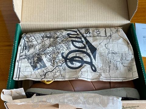 ダナー ヴァーティゴ917の箱を開ける