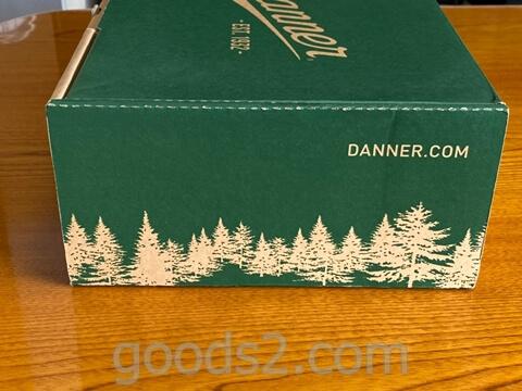 ダナー ヴァーティゴ917の箱の横