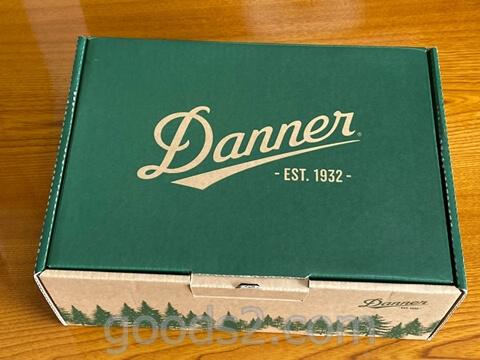 ダナー ヴァーティゴ917の箱