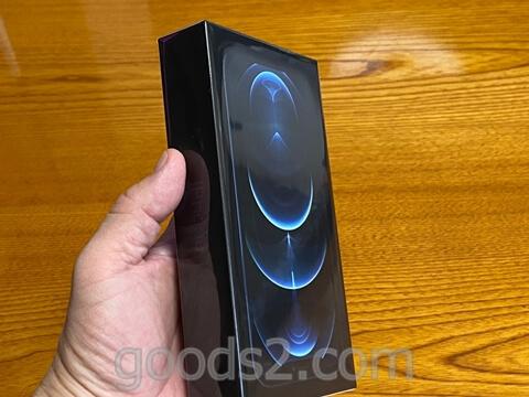 iPhone 12 Proの箱