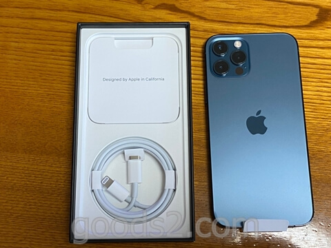 iPhone 12 Proの箱の中の付属品