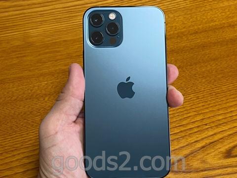 iPhone 12 Proのカメラ側の外観