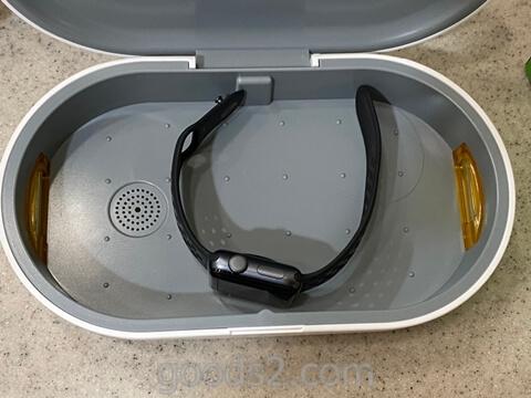 MATECH AirCase UV除菌ケース にアップルウォッチを横にして入れる
