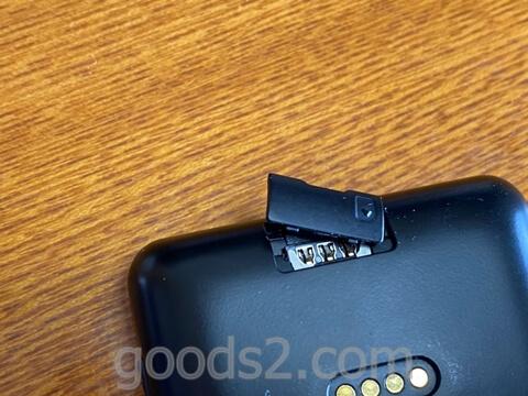 NichePhone-S 4GのSIMスロット